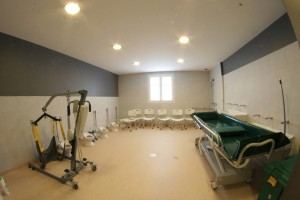 Le Refuge dispose d'une salle de sanitaires adaptés